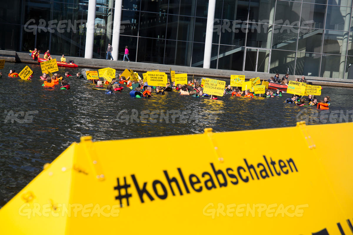 Greenpeace Youth Swims for Climate Protection in Berlin