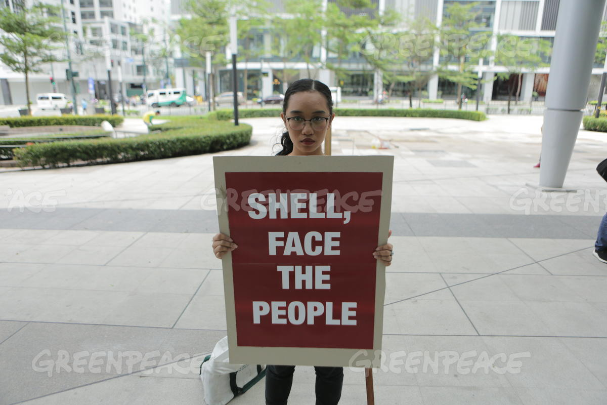Lone Protester at Shell's Headquarter in Manila