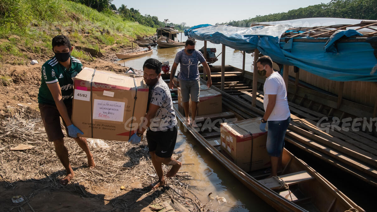 Wings of Emergency Project Delivers Donations in Remote Places in the Amazon in Brazil