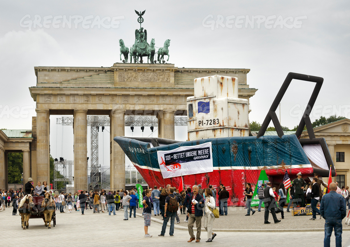 Fisheries Action at Brandenburg Gate