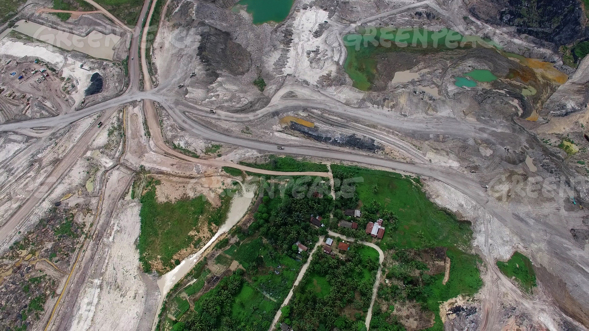 Village Surrounded by Coal Mine in East Kalimantan