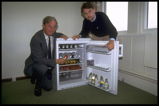 Tim Yeo Purchases German Ozone-Friendly Fridge