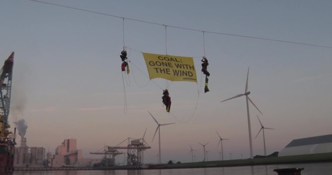 Activists Block Entrance to RWE Coal Plant in Eemshaven - News Access