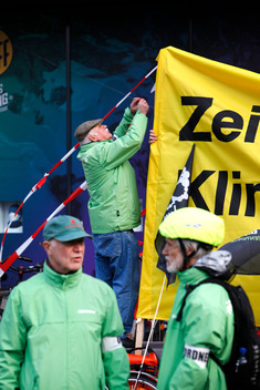 Greenpeace Team 50 Plus Joins the Cooperide in Hamburg
