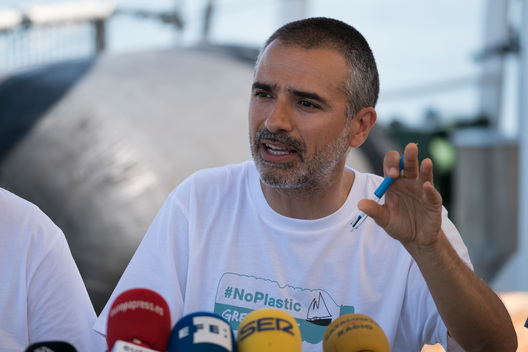 """Less Plastic, More Mediterranean"" Campaign Launch on Rainbow Warrior in Valencia"