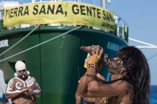Rainbow Warrior Arrives in Quintana Ro