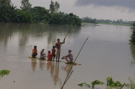 Flood Victims in Bangladesh Move to Higher Ground
