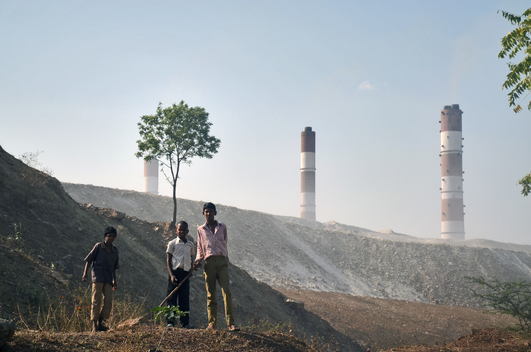 Children by one of the Ash Dykes of the NTPC Sipat Power Plant