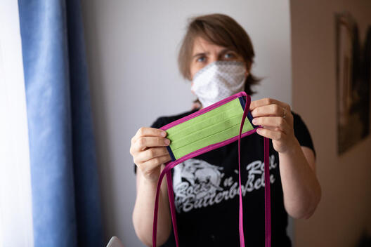 Greenpeace Employees Produce Cloth Face Masks in Germany