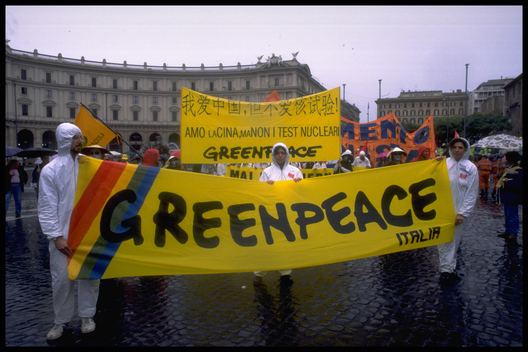 Greenpeace demo against Chinese nuclear tests during CTBT talks. Italy