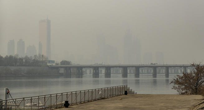 Daily Average of Ultrafine Dust in Seoul to Reach Second Highest on Record