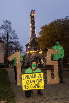 Light Action of the Greenpeace Youth in Berlin