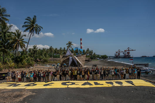 """No Coal"" Banner at Summer Festival 2.0 in Bali"