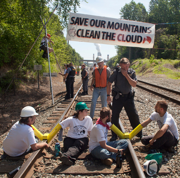 iCloud Train Blockade in North Carolina