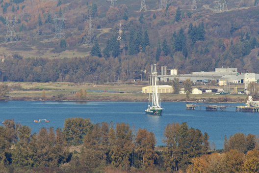 Rainbow Warrior on the Columbia River