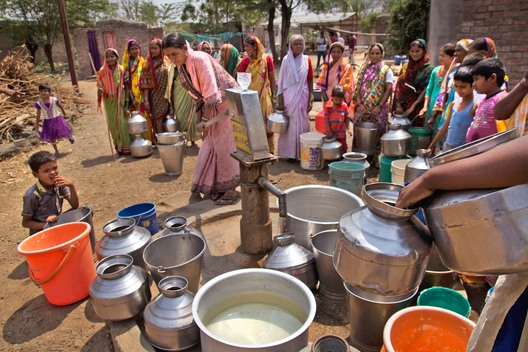 Villagers Collecting Water in Maharashtra