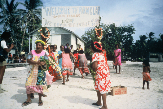 Rongelap Islanders Welcome the Rainbow Warrior