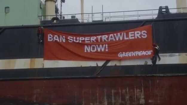 Protest against the Helen Mary Trawler in the North Sea - Clipreel