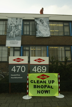 Toxics Action against Dow Head Office in the Netherlands
