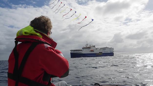 Confronting Seismic Testing Vessel with Kites in New Zealand - Clipreel