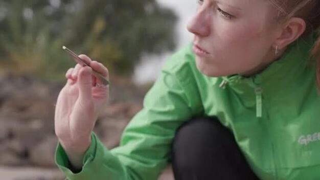 24 hours - Greenpeace investigates microplastics in the Rhine - Clipreel