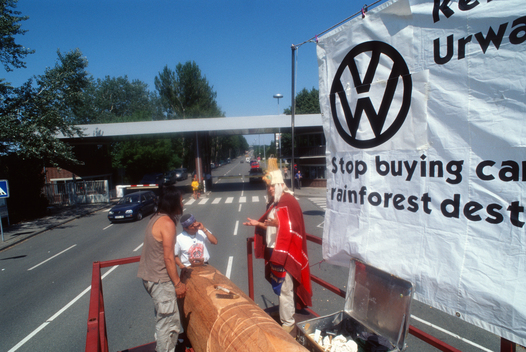 Nuxalk Nation & Greenpeace Action at VW in Germany