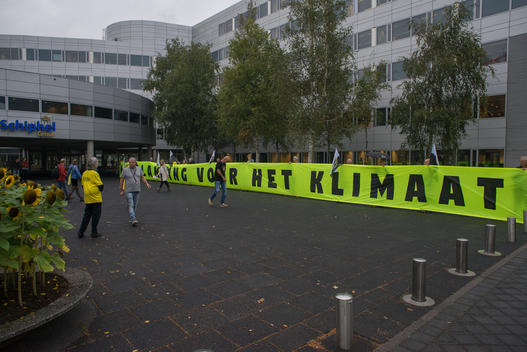 Activists Demand Climate Action from Schiphol Group in the Netherlands