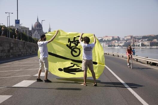 Demonstration for Clean Air along Budapest's Danube Bank