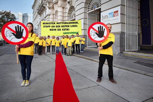 CETA Protest at Ministry of Trade in Austria
