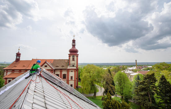 Solar Panels Installed on School's Roof in Czech Rep
