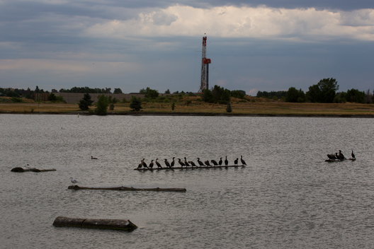 Lakeside Hydraulic Fracturing Drilling Tower in Colorado