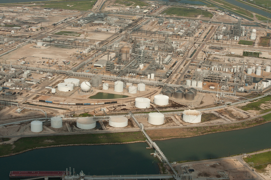 Toxics: Greenpeace safety inspection of Dow Chemical's Texas Facility