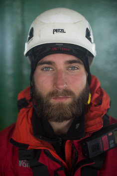 Six Greenpeace Climbers Leave Shell's Arctic-Bound Oil Rig