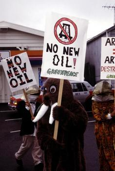 Protest against Arctic ARCO Oil Rig in US