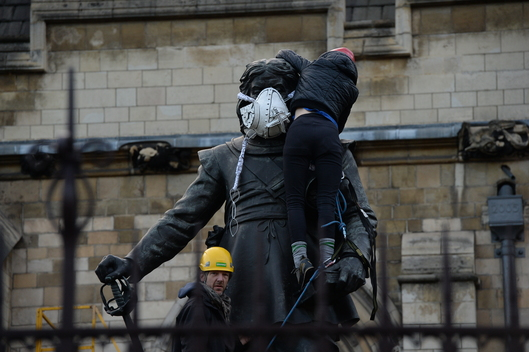 Oliver Cromwell Air Pollution Mask in London