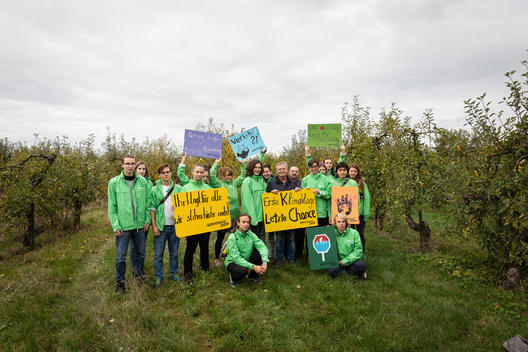 Greenpeace Youth Groups Visit Climate Plaintiff Claus Blohm in Altes Land