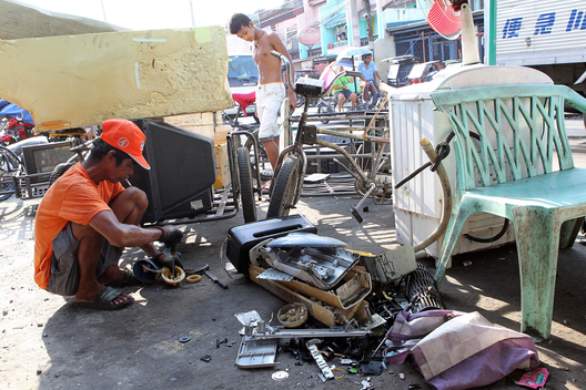 Electronic Waste Workers in Manila
