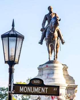 Statue of Confederate Gen. Robert E. Lee in Richmond, Virginia