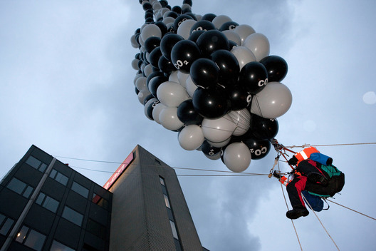 Climate Action CO2 Balloons at E.ON in Rotterdam