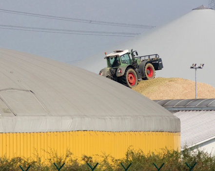 Biogas Plant with Tractor in Guestrow