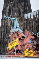 Protest at Cologne Cathedral against the CDU