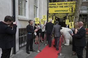 Polar Bear Meets OSPAR Delegates in London