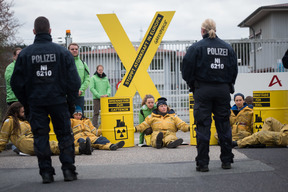 Protest against Nuclear Fuel Rods from Germany