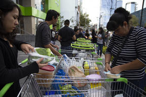 Activists Return Plastics to Supermarkets in Mexico