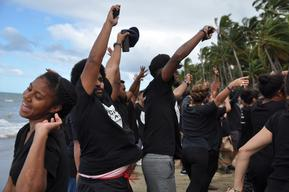 "Activists ""Flood"" Beach to Protest Pipelines in Fiji"