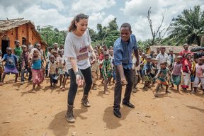 Dance for Congo with Schoolkids of Lokolama