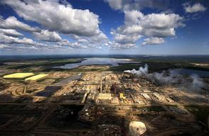 Syncrude Plant in Alberta Tar Sands