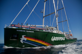 Rainbow Warrior Joins the Activities to Mark International Women's Day in Chile