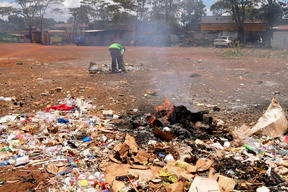 Burning Plastic Waste in Nairobi