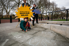Primary School Children deliver Solar Petition in London